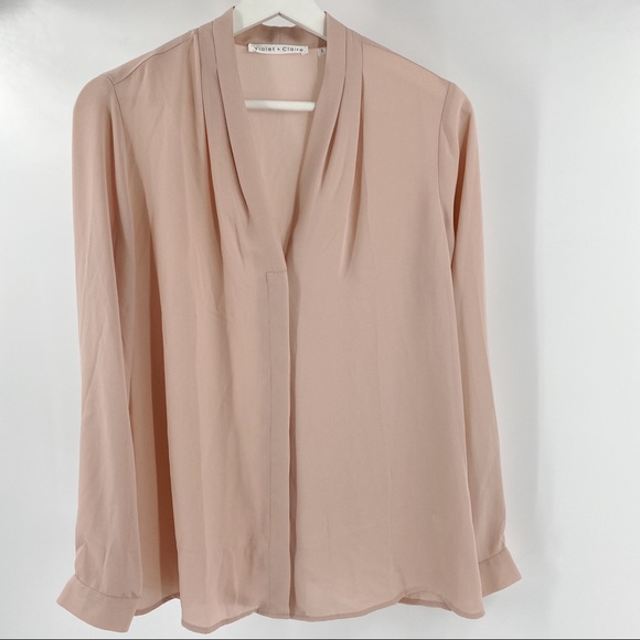 Violet + Claire blush button up blouse